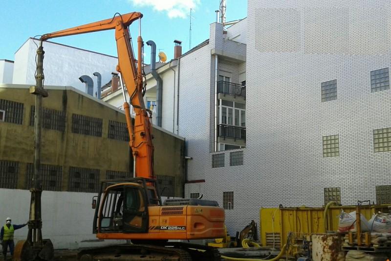 Muro Pantalla para construcción en Edificio céntrico de Vivendas en León.